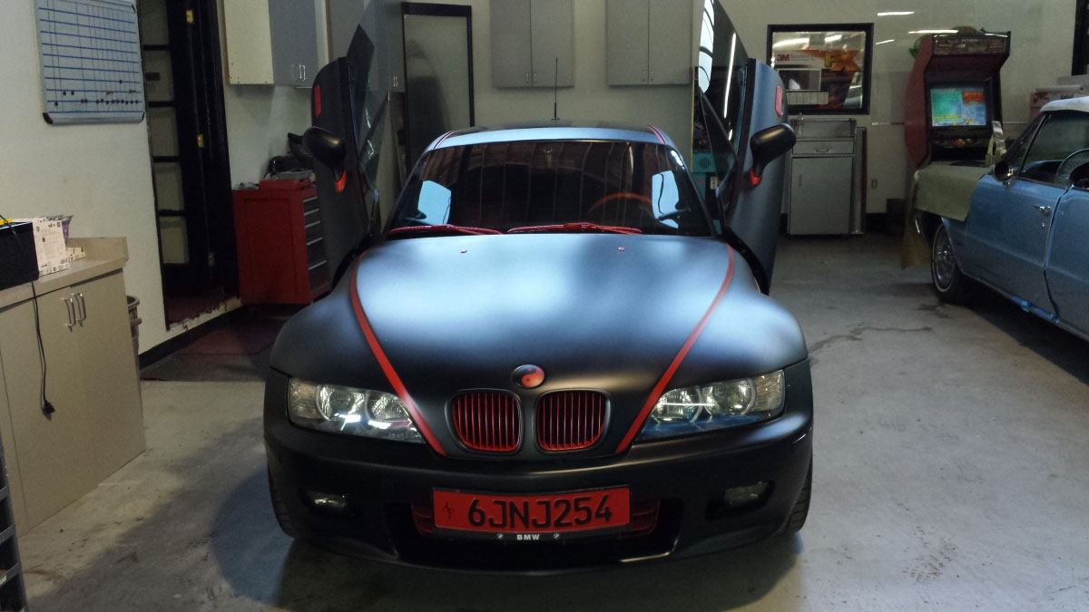 black-bmw-front-view-min