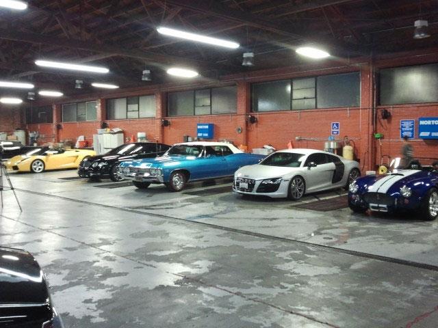 auto-detailing-luxury-cars-min